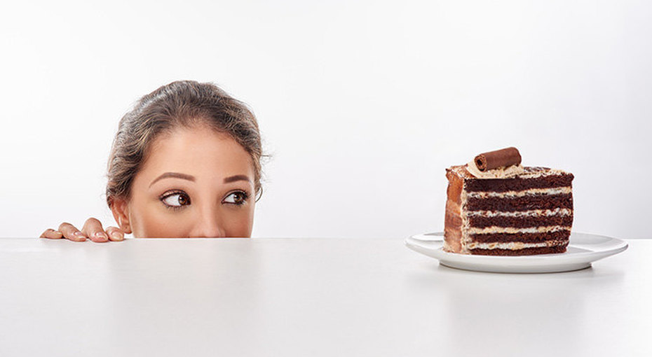 Сладкое, жирное... Почему нам хочется вредной еды?