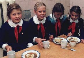 Кошмарная еда нашего детства: рассольник, рыбные тефтели и молоко с пенками. Вспомнить и вздрогнуть