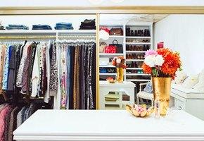 Выбросьте это немедленно! 7 типов вещей, которые захламляют ваш гардероб