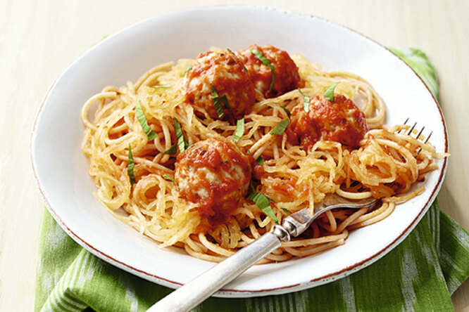 Куриные тефтели со спагетти