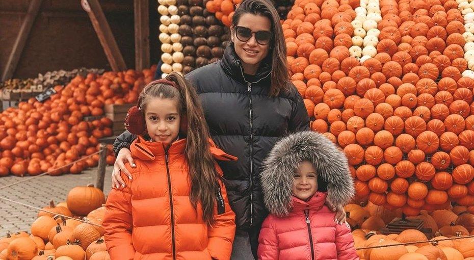 «Я художник, я так вижу»: 4-летняя дочь Ксении Бородиной воспользовалась папиной бритвой