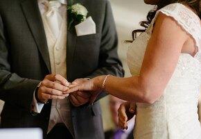 «Свадьба — это недорого»: невеста купила декор в IKEA и наряды в онлайн-магазине