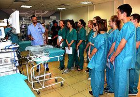 Юных хирургов ждут в летней школе университета им. Пирогова