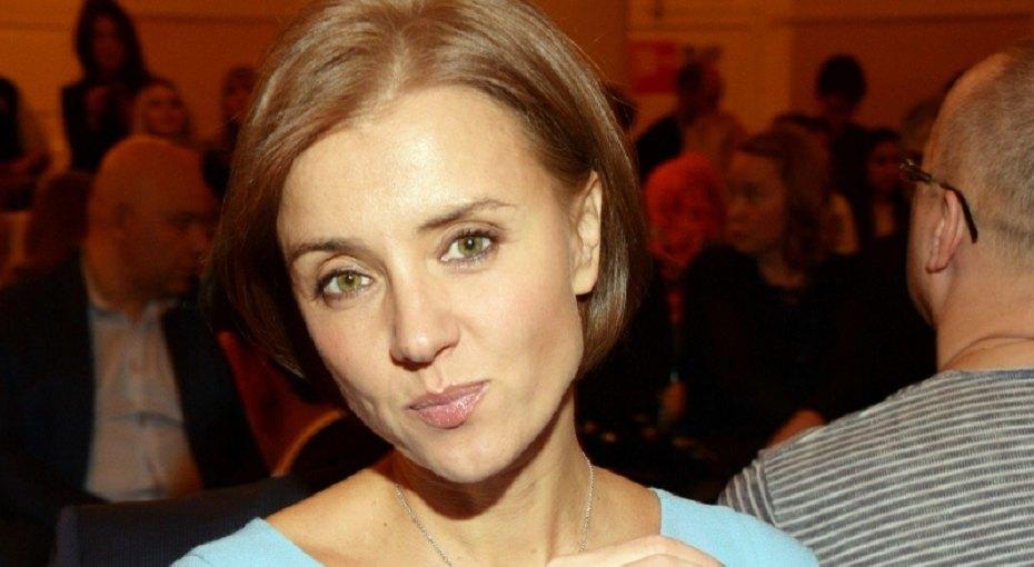 «Прекрасна, как ни крути»: 45-летняя Ксения Алферова выложила смелое фото вбикини