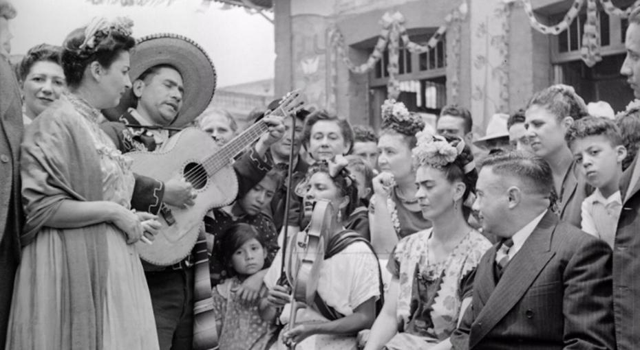 Бунтарка Мичель: Зачто мексиканские женщины почитают собирательницу народных песен