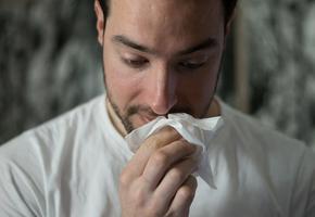 10 вопросов аллергологу: наследственность, прививки, стресс и другое