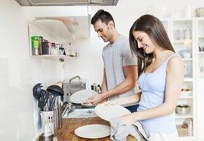 Работа по дому улучшает семейный секс (но только если делать её вместе)