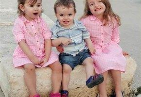 После потери ребенка семья усыновляет близнецов умирающей женщины