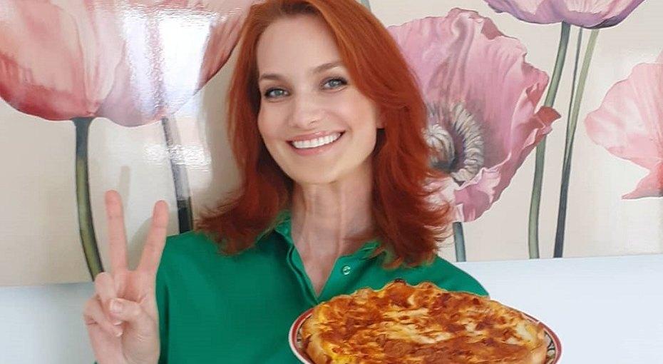 «Никакого кетчупа»: Таша Строгая рассказала, как делает пиццу длясемьи