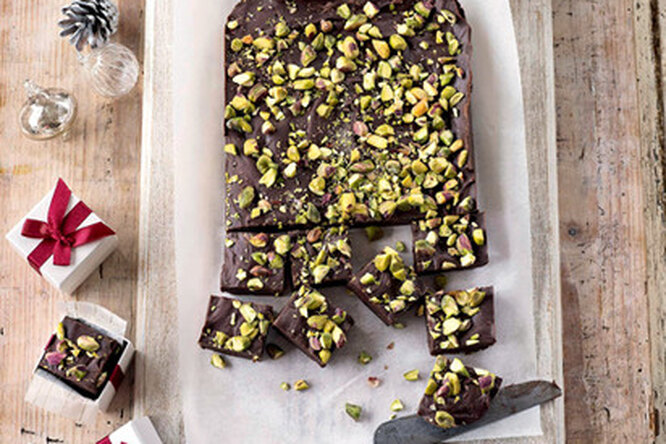 Шоколадная помадка с орехами