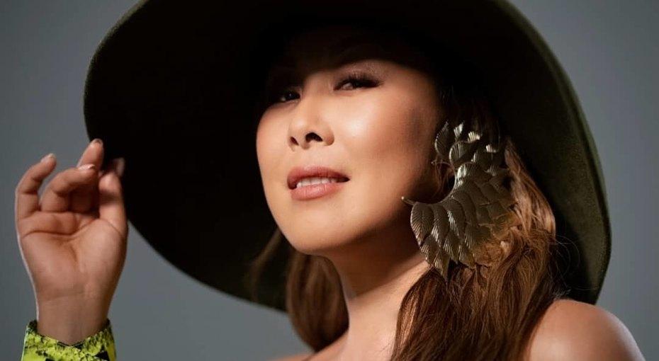 «Современная Даная»: 48-летняя Анита Цой выложила фото вкупальнике