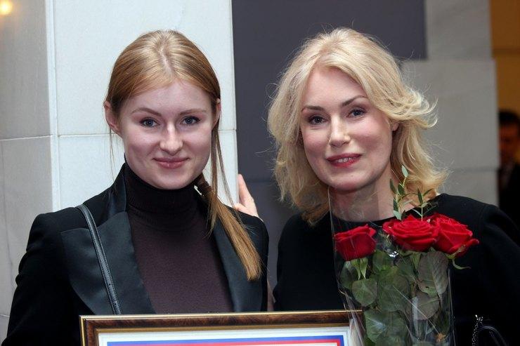 Мария Шукшина сдочерью