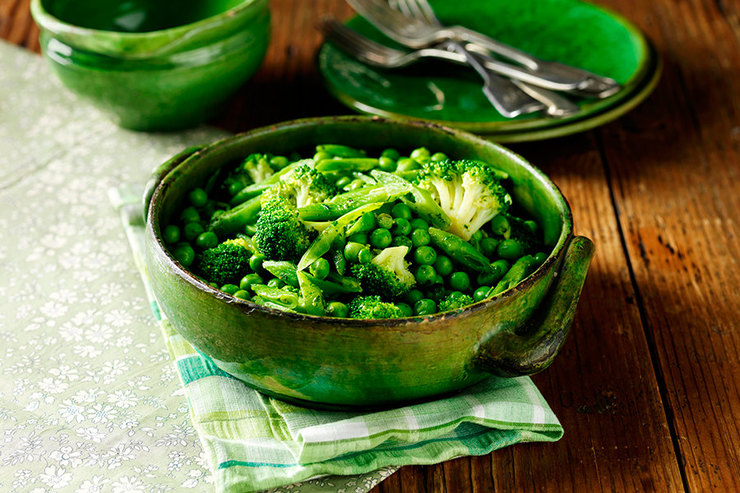 блюдо брокколи фасоль горох еда втарелке