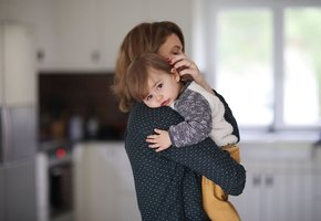 Доказательная любовь к детям. Почему воспитатели должны обнимать и утешать