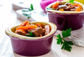 Что приготовить в горшочке: солянка, гречка, азу, грибы и баранина с пюре