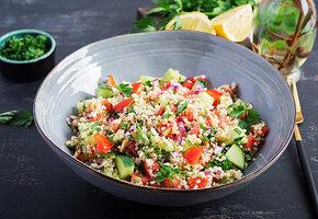 Быстрый салат, который напомнит о весне. Рецепт шеф-повара с видео