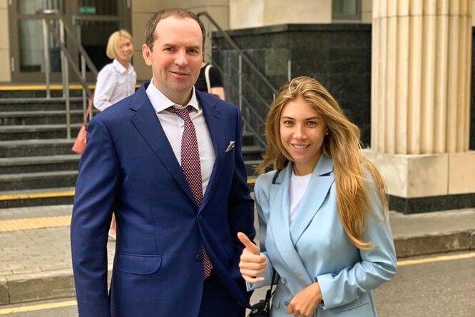 Треть дохода детям и100 тысяч супруге: футболист Денис Глушаков развелся после громкого скандала