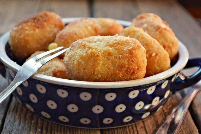 Картофельные крокеты с сыром и грибами в духовке