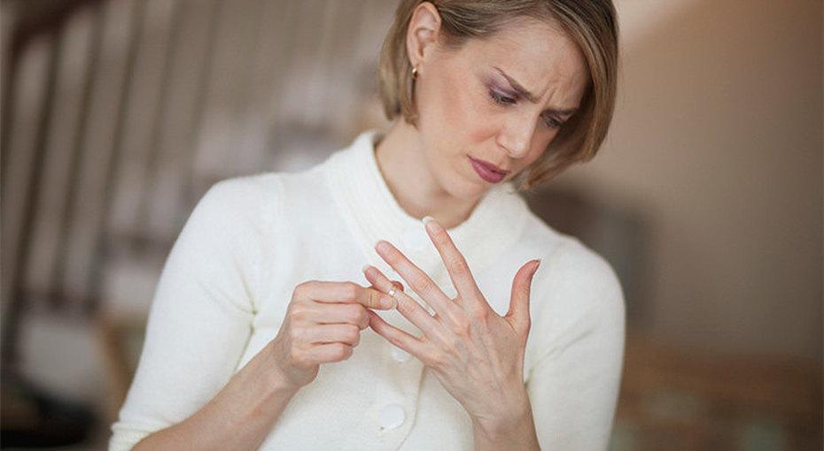 Одинока, но небеззащитна: чего нельзя говорить разведенной женщине