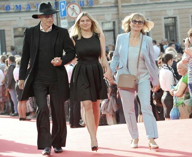 Михаил Боярский с женой и внучкой Екатериной