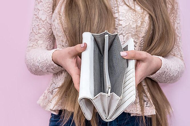 Деньги наветер: 10 покупок, безкоторых мы вполне можем обойтись