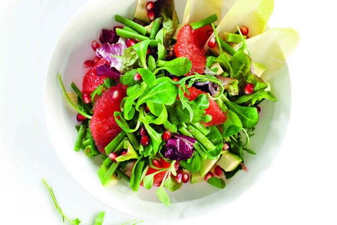 Салат из авокадо, грейпфрута и граната