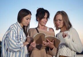 Не слушайте их! 8 вредных советов, которые дают подруги