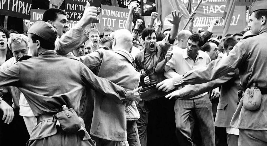 «Дорогие товарищи!»: почему фильмы Андрея Кончаловского покоряют Европу