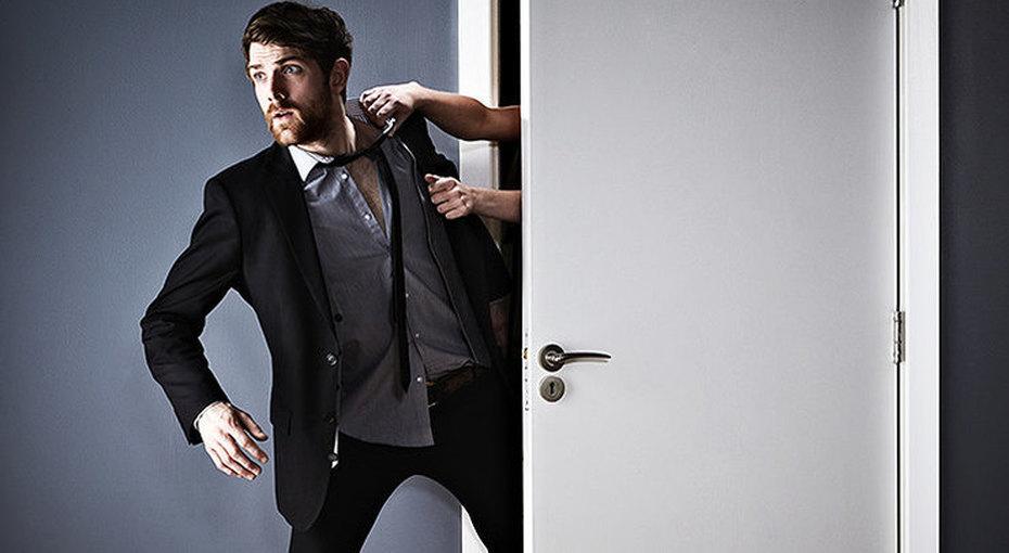 10 неожиданных поступков, которые могут оттолкнуть вашего мужчину