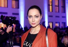 «Кто украл ресницы?» Настасья Самбурская показала фото без макияжа и фильтров