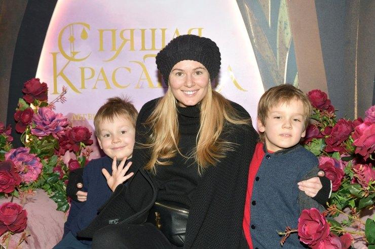 Мария Кожевникова сдетьми — Максимом иИваном фото
