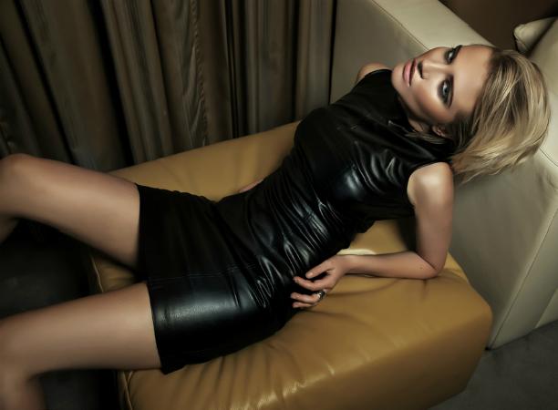 женщина, кожаное платье