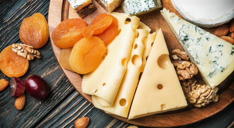 Сырная тарелка: 5 способов собрать идеальное блюдо дляпраздничного стола