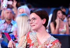 «Можете удивить»: Татьяна Брухунова в белом вызвала восторг поклонников