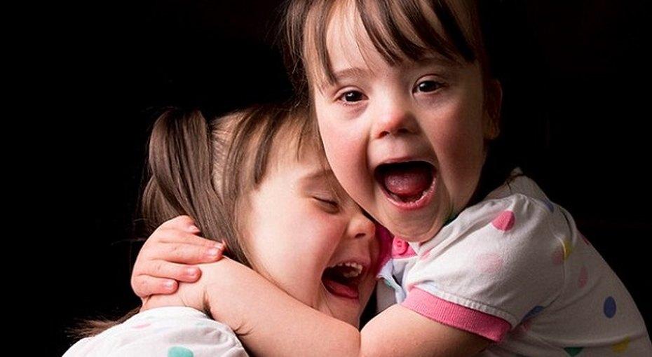 В Сети появился фотопроект «Редкие», посвященный детям снеобычными диагнозами