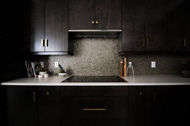 Мебель на кухне  цвет стен