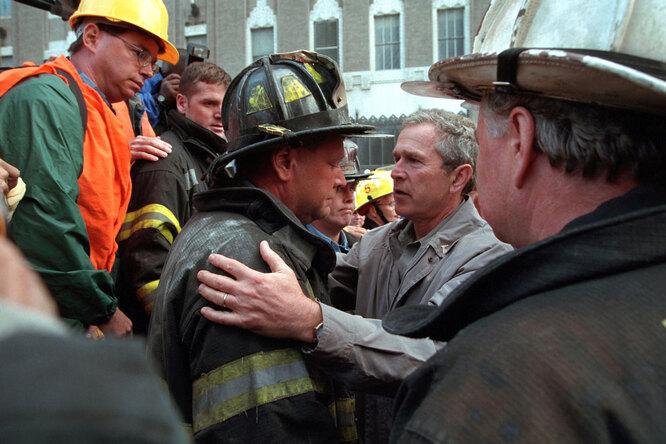 Джордж Буш после атаки 11 сентября 2001 года