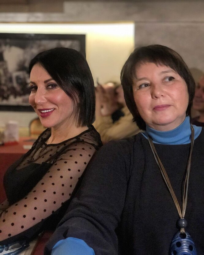 Алика Смехова с сестрой, Елена Смехова, дочери Вениамина Смехова