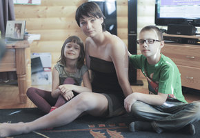 Непобедимая Лена. Как мама двоих детей потеряла руку и ногу и начала новую жизнь