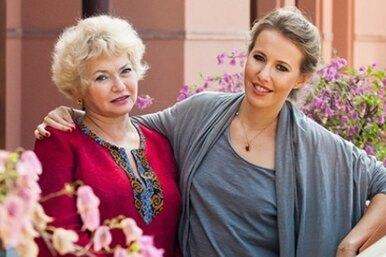 «Настоящая бабушка!»: Людмила Нарусова вобразе Снегурочки поздравила семью Ксении Собчак