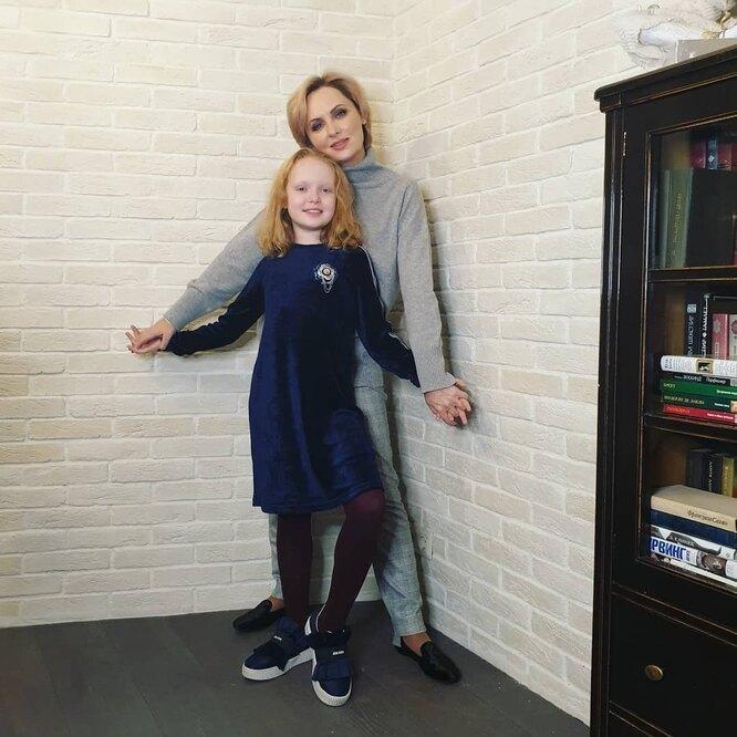 Елена Ксенофонтова, Софья Рыжих
