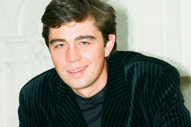 Харизма отца: всети обсуждают, каким красавцем вырос 17-летний сын Сергея Бодрова-младшего
