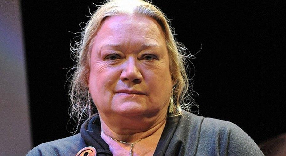 «Я ужасно хотела небыть»: Людмила Полякова едва непокончила ссобой из-за романа сАндреем Смирновым