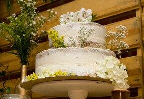 Я его лепила из того, что было: женщина заказала торт, но не ожидала увидеть это