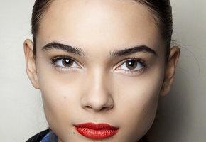 Тренды весеннего макияжа: возвращение 90-х