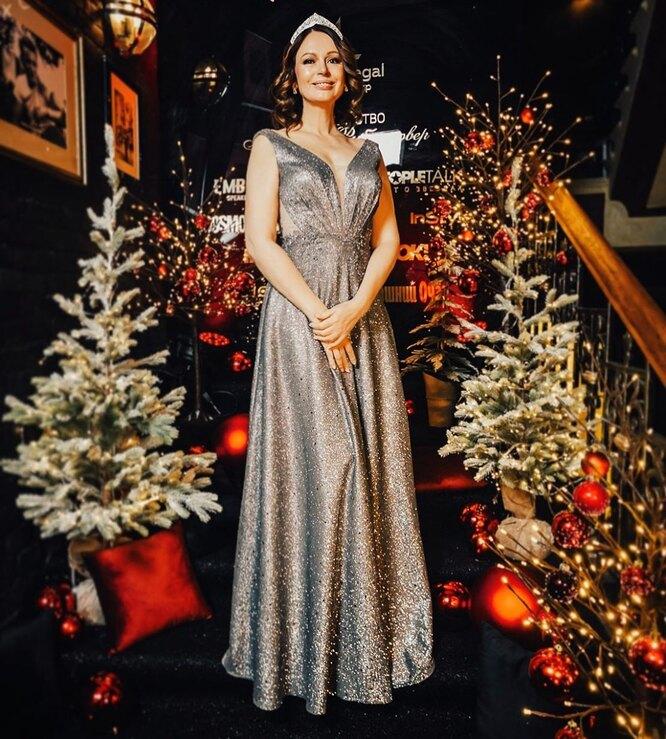 Ирина Безрукова празднует новый год