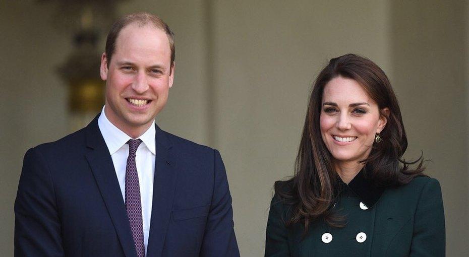 Принц Уильям иКейт Миддлтон отвели принцессу Шарлоту вшколу