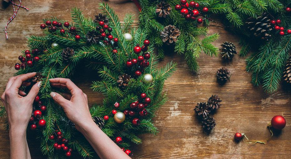 Как сделать рождественский венок извешалки? Легко!