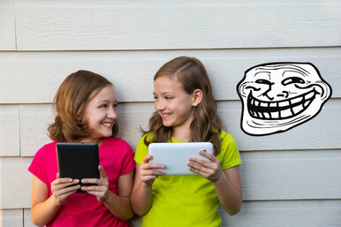 8 вещей, которые должны насторожить вас винтернет-друзьях ребенка
