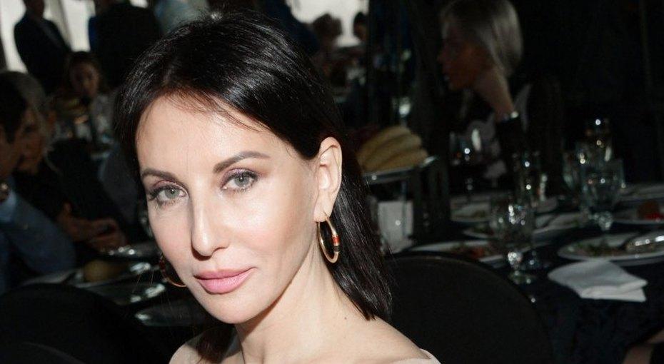 Алика Смехова отдыхает вотеле 16+